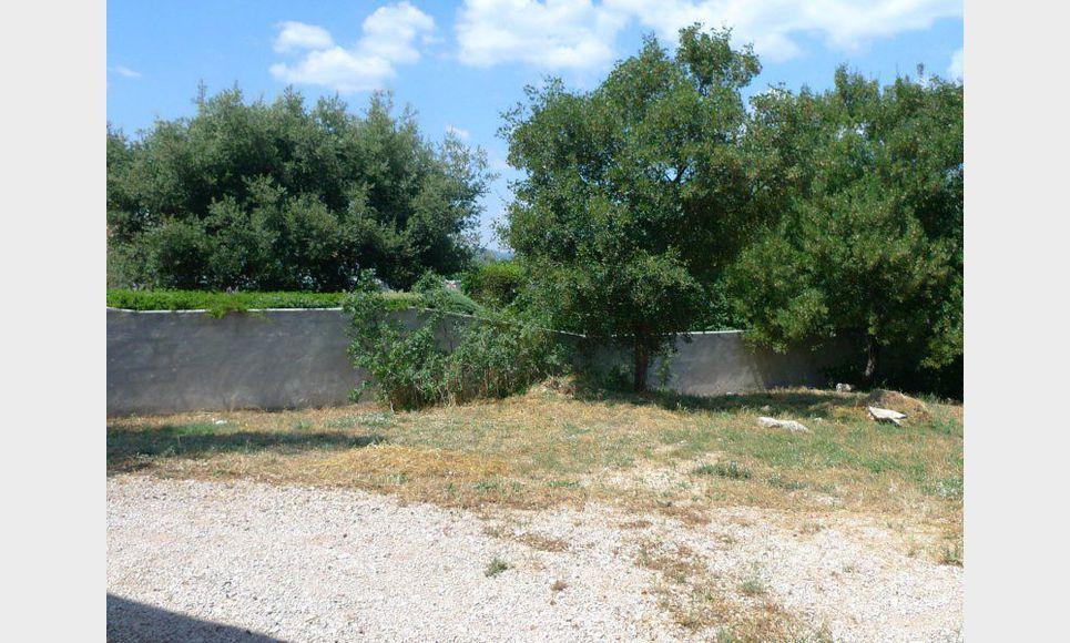 Villa saint maximin avec jardin location maison for Jardin 800m2