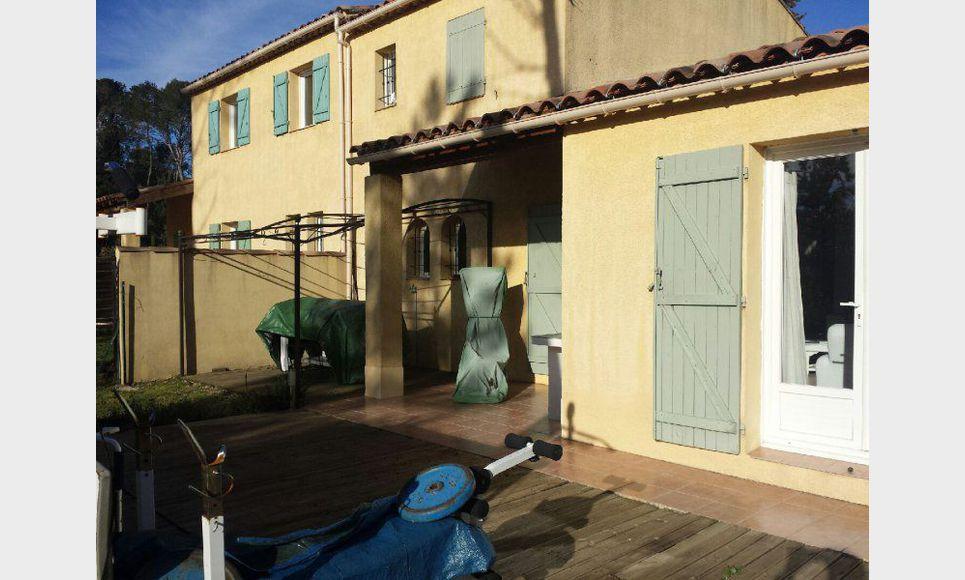 Villa t4 st maximin au calme avec terrain et garage for Garage auto saint maximin la sainte baume